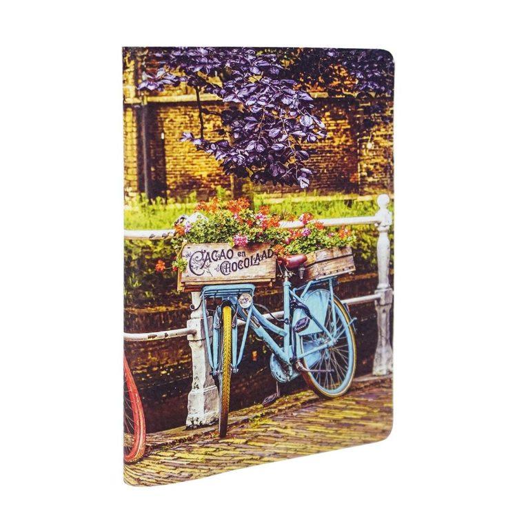 Обложка на паспорт с яркими велосипедами